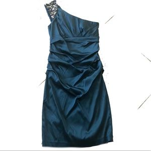 Dresses & Skirts - One shoulder Formal Dress